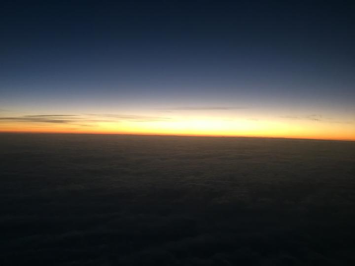 華信航空AE2016曙光專機從台北飛航到台東,機上乘客幸運看到曙光。記者邱瓊平/攝影