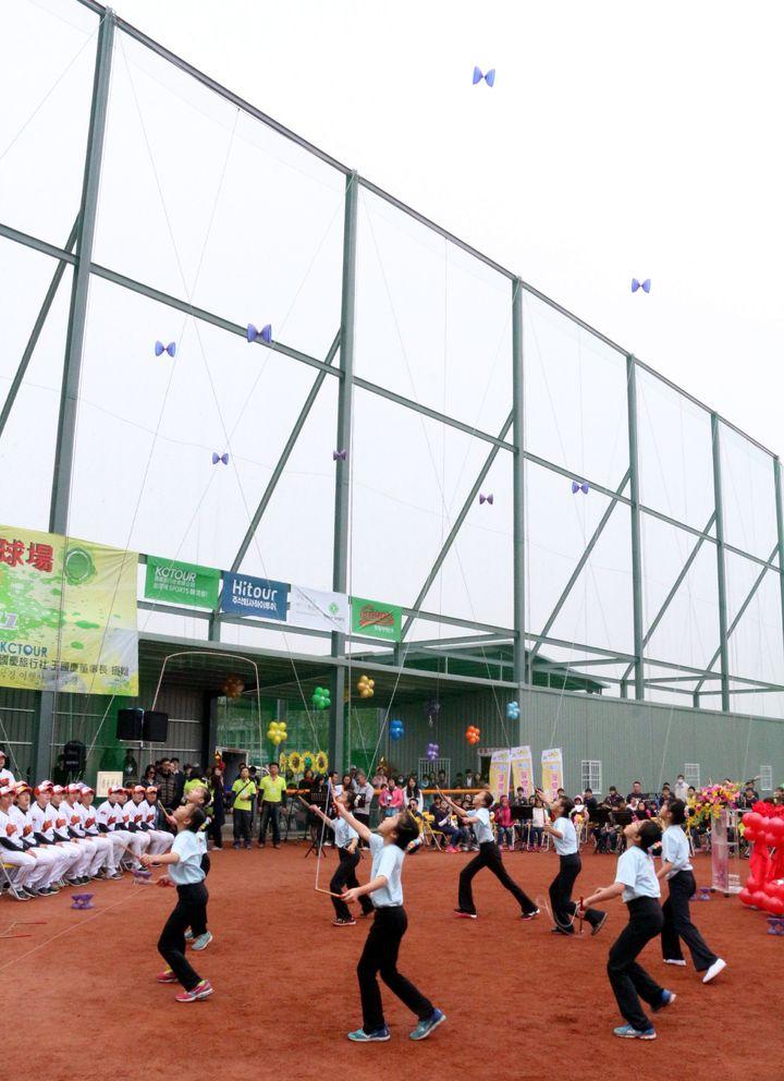 韓僑王國慶捐贈橋頭區「國慶青埔棒球場」給市府無償使用,推廣棒球連動。記者徐如宜/攝影