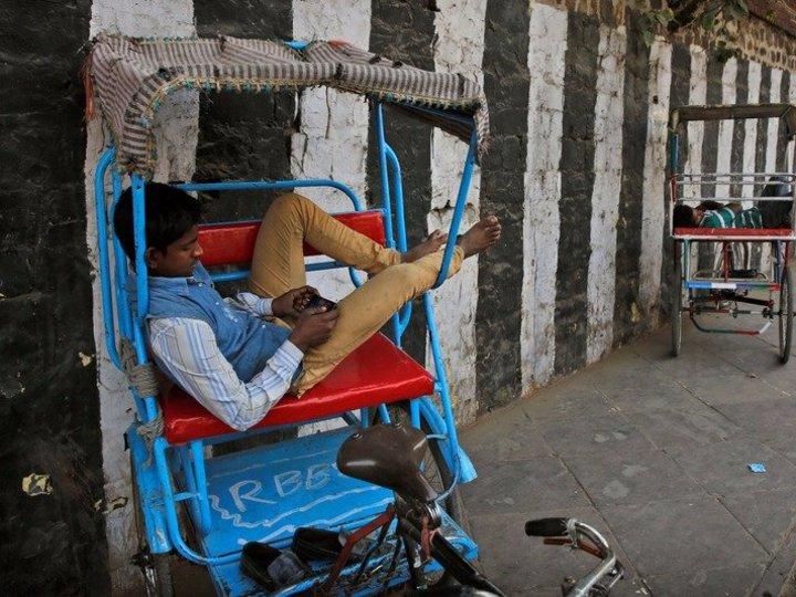 對於許多收入不高的印度人來說,Ringing Bells新推出的Freedom 251手機將改變他們一生。(網路照片)