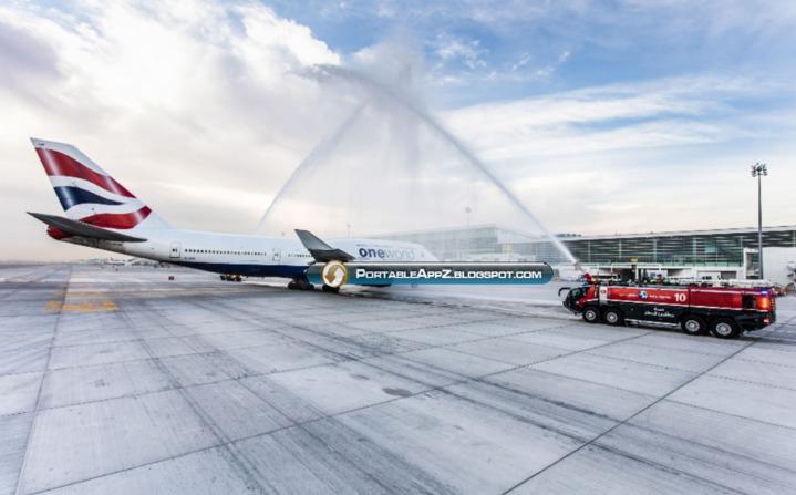 英國航空抵達杜拜國際機場新大廳跑道,水車灑水歡迎。(歐新社)