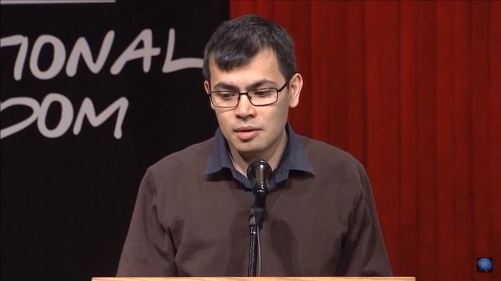 DeepMind 執行長Demis Hassabis指出,計畫下一步或讓AlphaGo挑戰即時戰略遊戲《星海爭霸》。(翻攝自Demis Hassabis and Panel座談會影片)