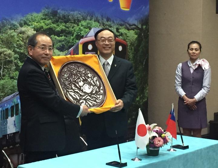台鐵局平溪線與江之島電鐵締結友好鐵路協定。記者侯俐安/攝影