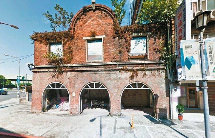 北市府在西區門戶計畫中討論三井倉庫遷移案,文資委員一致認為三井倉庫未達古蹟標準。圖/本報資料照