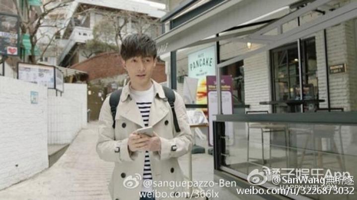 胡歌在韓國拍攝廣告,被讚顏值嫩不輸宋仲基。 圖/摘自微博