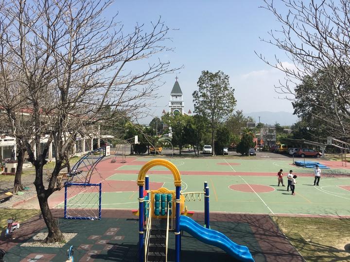 台南市左鎮國小校園小而美,曾有家長以學校幾乎測不到電磁波選擇將子女送來就讀。記者吳淑玲/攝影