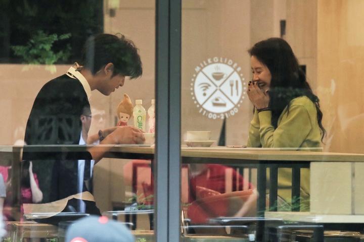 陳柏霖與宋智孝在咖啡店約會。記者林伯東/攝影