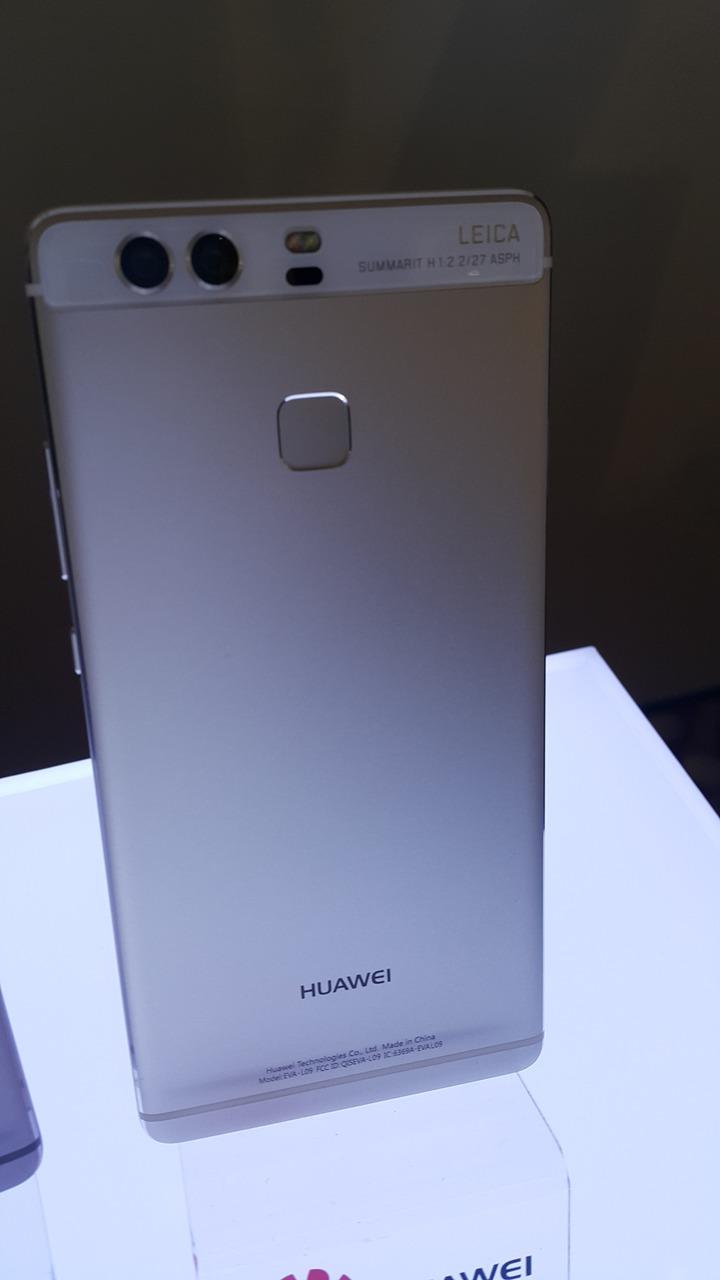 華為今天在台發表HUAWEI P9手機記者。鄒秀明攝影