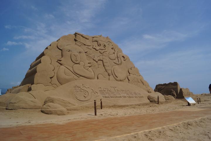 2016福隆國際沙雕藝術季今天正式登場,現場目前有60做沙雕像。記者曾健祐/攝影