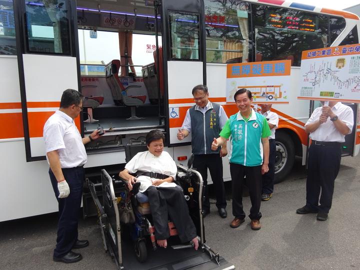 台中市659心幹線公車將啟用,未來海線地區學生能夠更方便通勤上下學,長者也能快速到達市區看醫生。記者宋柏誼/攝影