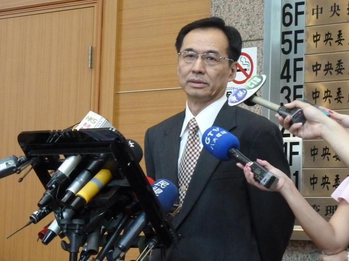 國民黨新任秘書長莫天虎今天就職,並現身國民黨中央黨部受訪。記者周志豪/攝影