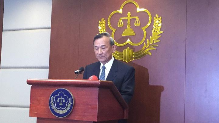 陳明堂表示,鄭捷影響社會甚大,經確定無救濟方式後,即執行槍決。