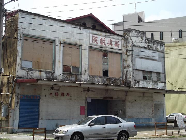 東亞(仁山)、新興(仁海)戲院曾造就大林鎮車水馬龍的榮景。記者謝恩得/攝影