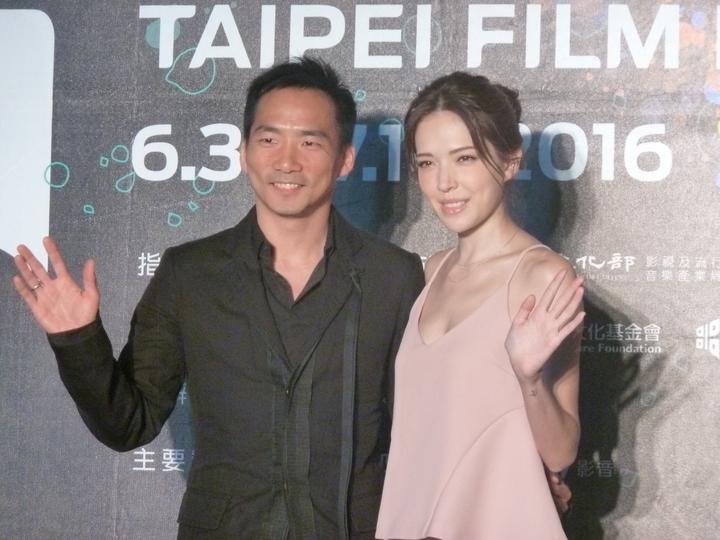 許瑋甯與「五月天」石頭擔任台北電影節大使,5日中午兩人連袂出席套票首賣活動。記者項貽斐/攝影