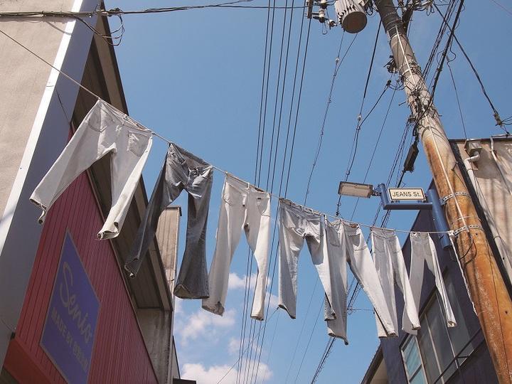 岡山著名的牛仔褲街,是著名景點。圖/台灣虎航提供