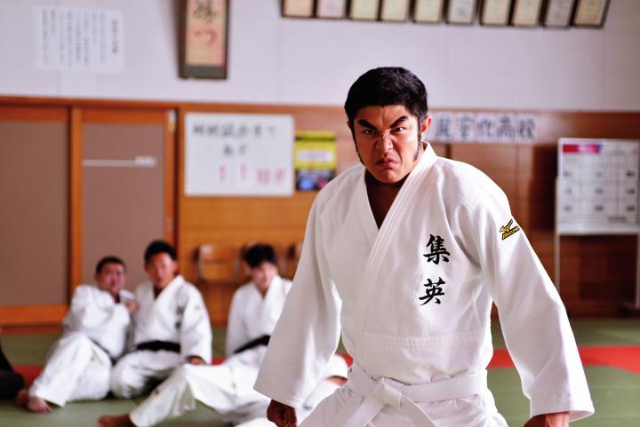 鈴木亮平在電影「俺物語!!」飾演剛田猛男。圖/采昌國際多媒體提供