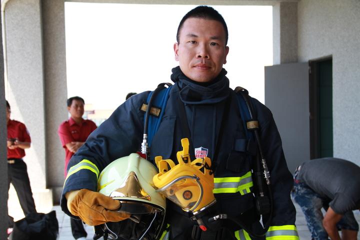 宜蘭大學助理教授陳正虎是宜蘭縣首位博士義消。記者羅建旺/攝影