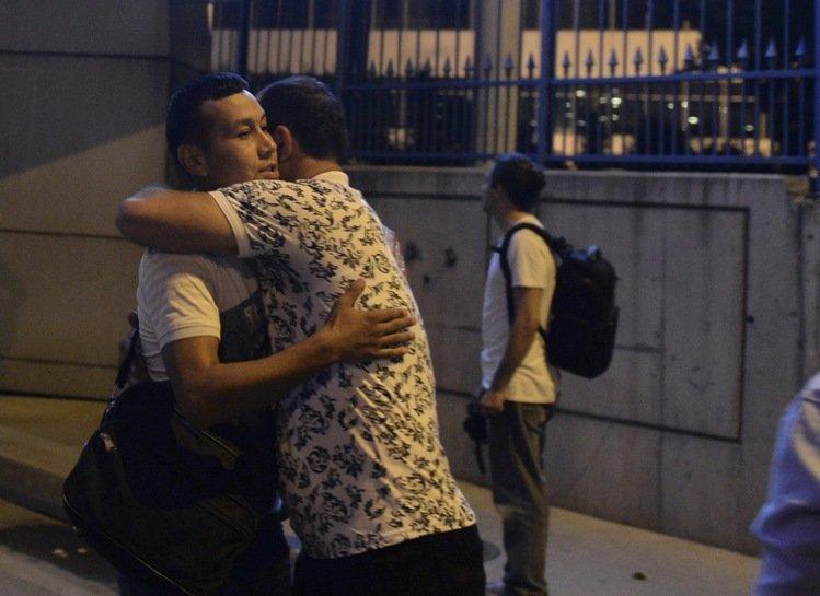 伊斯坦堡的阿塔圖克國際機場(Ataturk)周二晚上遭到自殺式炸彈攻擊。 圖/美聯社