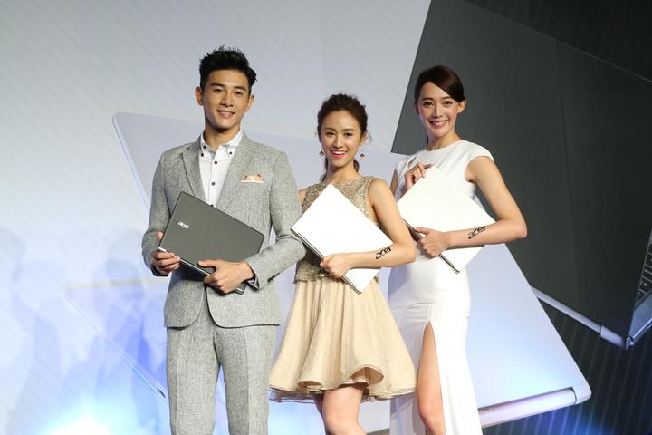 王心恬(右起)、吳姍儒、張立昂擔任宏碁夢想大使,為全新Aspire S13筆電上市站台。記者史榮恩/攝影