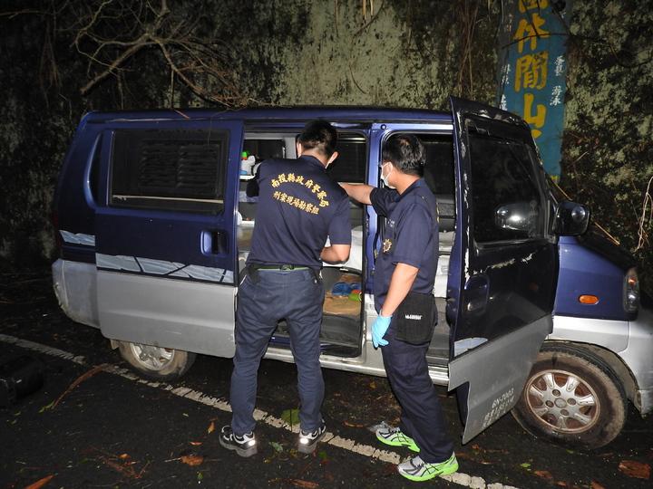 南投縣警局昨派遣鑑識科到場採證,確認該車輛應為林嫌所有。記者賴香珊/攝影