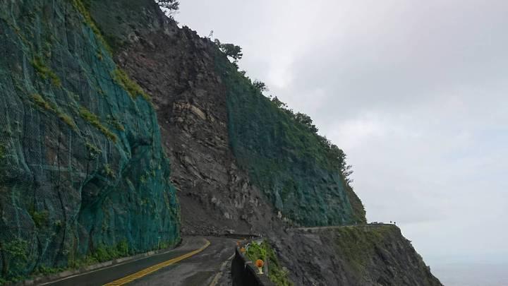 蘇花公路台9線112.3公里路段發生土石流,明天起至8月10日施工,進行道路雙向管制。圖/南澳工務段提供