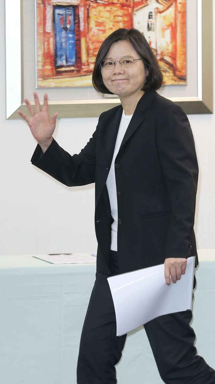 民進黨主席蔡英文出席中常會。記者陳正興/攝影