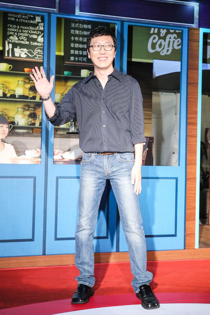 「六弄咖啡館」導演吳子雲出席首映記者會。記者鄭清元/攝影