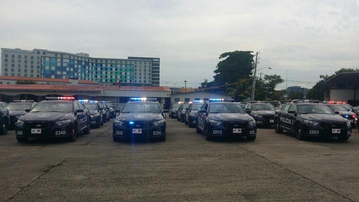 巴拿馬公安部長Alexis Bethancourt Yau致詞感謝蔡總統援贈巴國警察總署45輛警車,對該署建立警察專業形象及維護民眾安全助益良多。圖片來源:我駐巴拿馬大使館