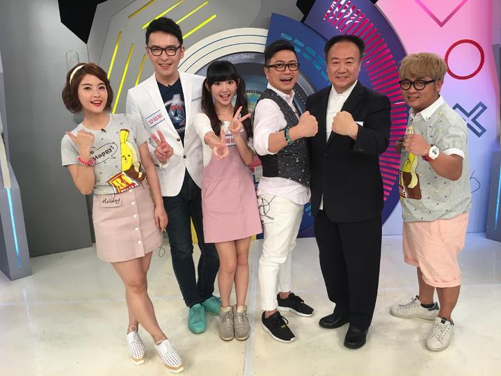 謝沅瑾(右二起)、Paul、優格姐姐都是看不出來愛打電動的人。圖/緯來提供