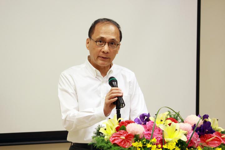 行政院長林全今上午來到新竹國家同步輻射研究中心,視察台灣光子源光束線實驗站的興建進度。記者王敏旭/攝影