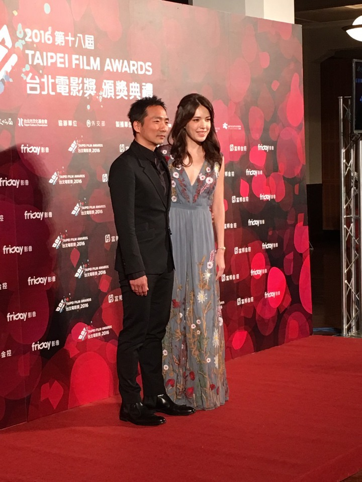許瑋甯與石頭(左)出席北影頒獎典禮。記者項貽斐/攝影