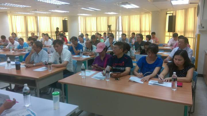 新北市議員鄭宇恩今舉辦協調會,現場約有30多名社區主委出席。記者呂思逸/攝影