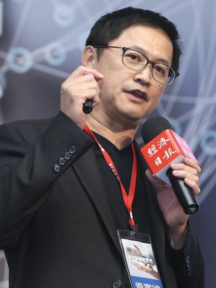 和碩董事長童子賢應邀出席科技論壇「智慧聯網新世代」並發表演說。記者黃威彬/攝影