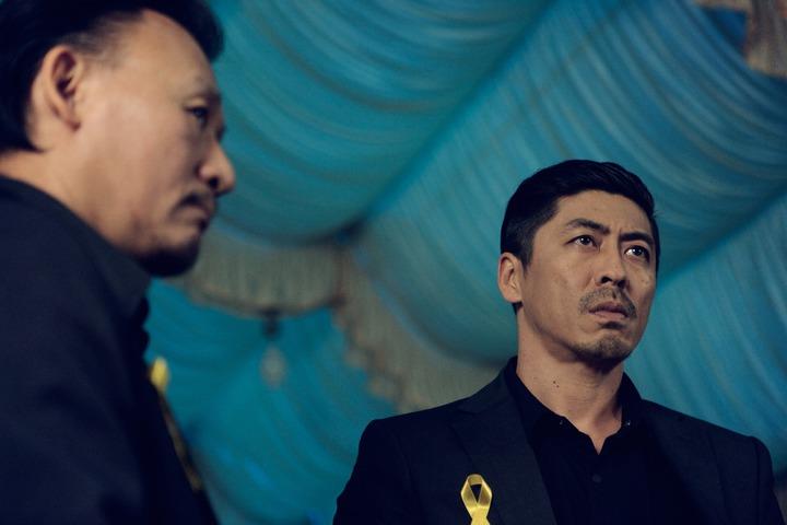 那維勳(右)在電影「六弄咖啡館」的鏡頭被剪光    圖/華聯提供