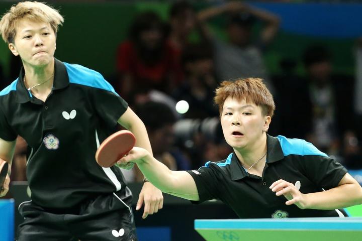 里約奧運桌球女子團體賽下午由中華臺北出戰香港,目前以1:2落後。特派記者陳正興/攝影
