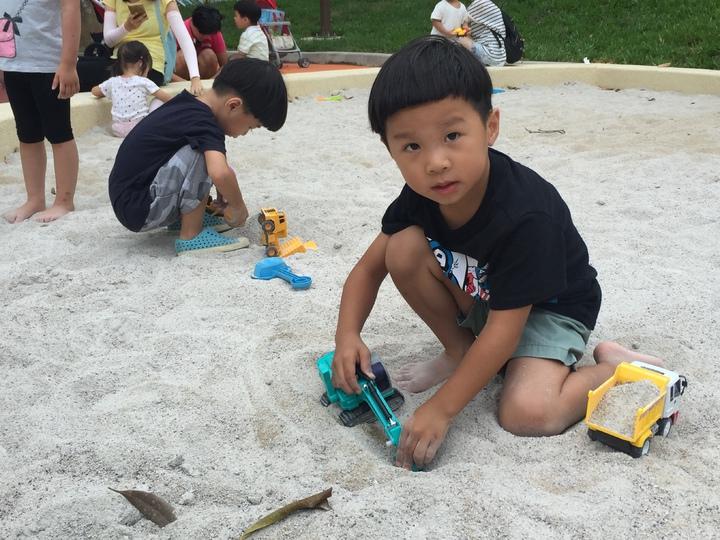 新竹市中央公園大沙坑,孩子最愛場地之一。記者李青霖/攝影