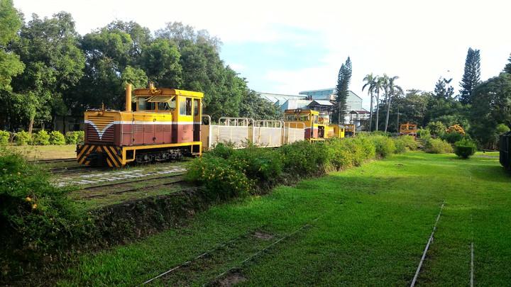 高雄市橋頭糖廠,展示早期運送甘蔗的五分車。記者黃宣翰/攝影