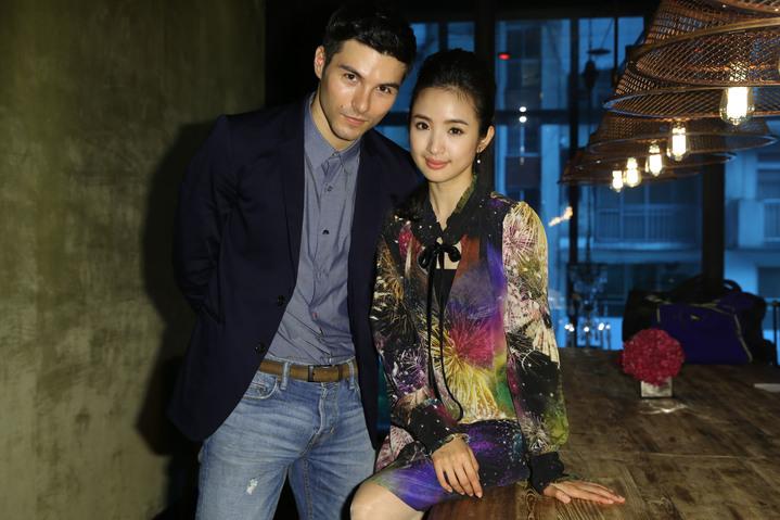 電影「我的蛋男情人」主角林依晨與鳳小岳專訪。記者林俊良/攝影