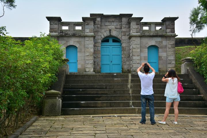 台南山上淨水池城堡式建築令人驚艷,但目前有蝙蝠棲息內部育兒,預計10月底才會開放參觀。記者吳淑玲/攝影