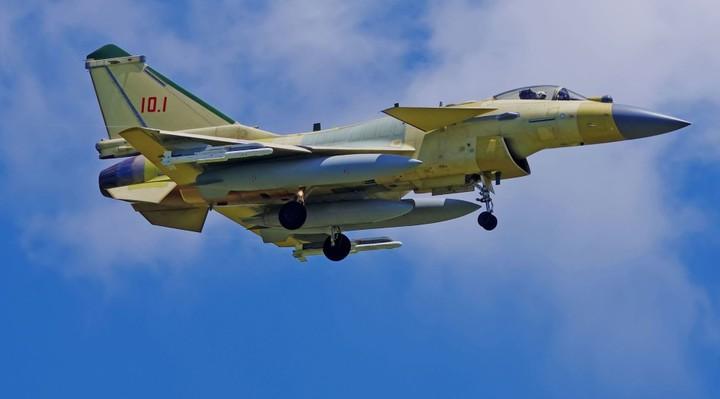 殲-10C戰機。(觀察者網)