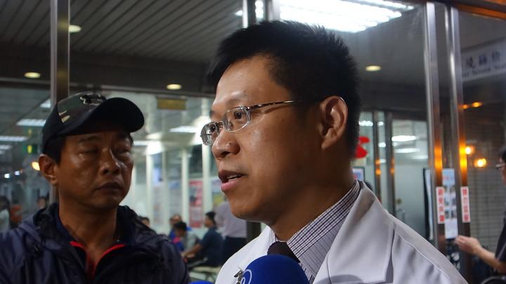 國軍高雄總醫院內科部主治醫師李柏群受訪。記者劉星君/攝影