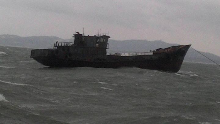 陸船上載運3千到4千塊磚頭建材,從泉州出發,目的港是漳州。圖/海巡署中部地區巡防局提供