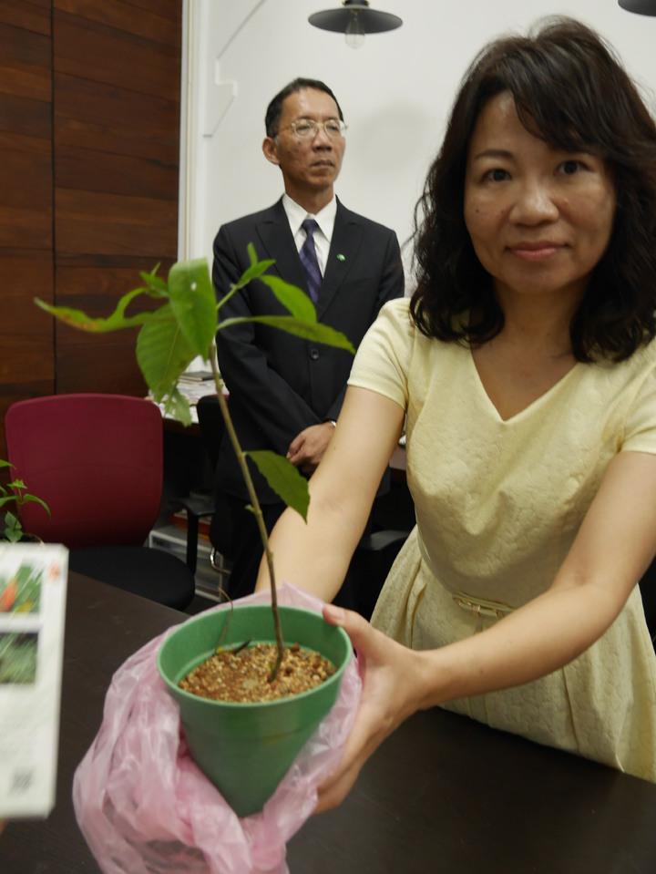 瑪陵國小校長詹麗如說,他們要為原生植物發聲。記者吳淑君/攝影