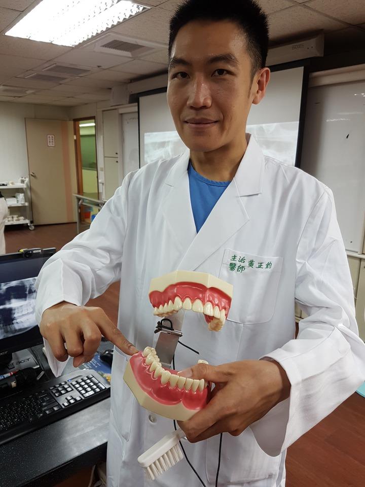 衛生福利部台南醫院口腔外科醫師黃正鈞。 記者修瑞瑩/攝影