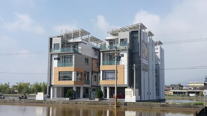 宜蘭建案設太陽能光電賣台電每戶年收4萬多元。記者廖雅欣/攝影