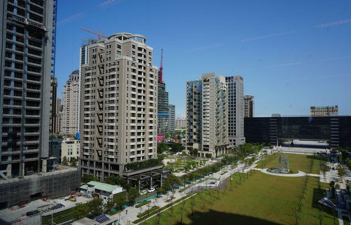台中市公告地價飆漲,西屯區平均調幅高達101.29%,地價稅暴漲讓市民叫苦連天。記者洪敬浤/攝影