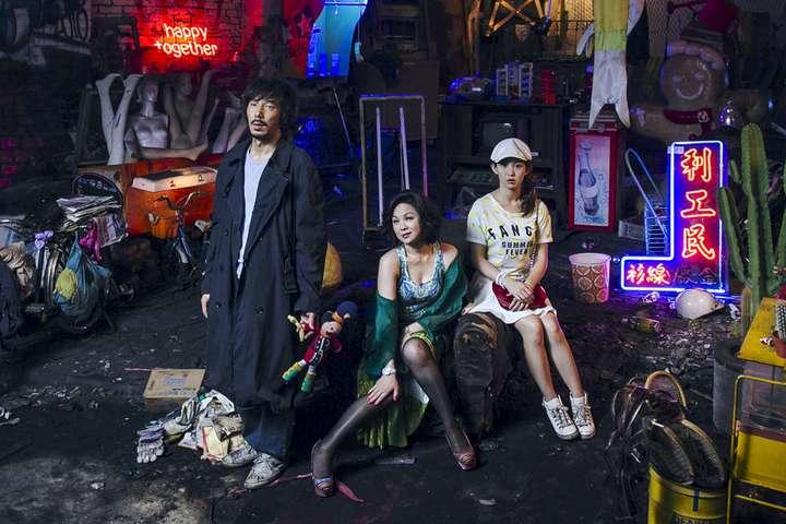 郭書瑤與楊貴媚在「西城童話」中飾演母女,與李李仁有互動對手戲。圖/青睞影視提供