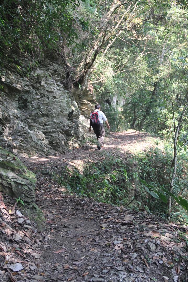 玉山國家公園管理處今天宣佈颱風後受損的東部園區瓦拉米步道已修復,即日起恢復通行,步道沿途有瀑布等,景觀超美。本報檔案資料照