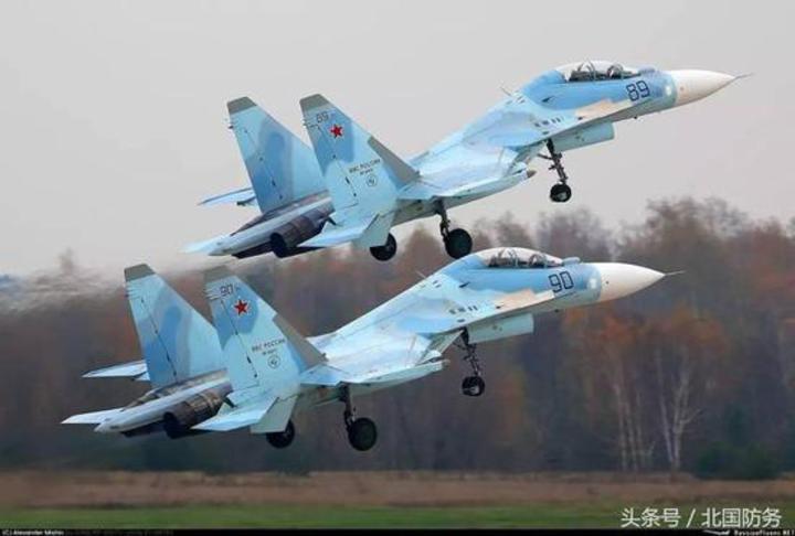 俄軍提供2架蘇-30M2供中國飛行員進行培訓。(北國防務)