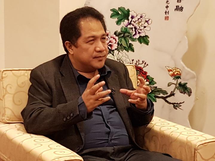 菲律賓馬尼拉大學藝術與科學院教授李奧納多認為,毒品確實引發許多問題,但還是應該重視人權,不應殺人。記者劉時均/攝影