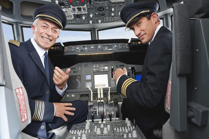 中國航空重金挖角,機長年薪達30萬美元。取自成都商報